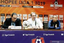 Pelatih Persib tak sabar hadapi Persija pada Liga 1 Indonesia 2019