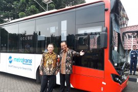Bus TransJakarta akan masuk kedalam lingkungan kampus UI