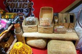 Aceh Barat promosikan kerajinan eceng gondok dan kue tradisional