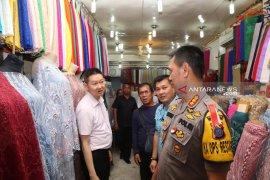 Kapolrestabes tinjau TKP pembobolan toko pakaian di Medan