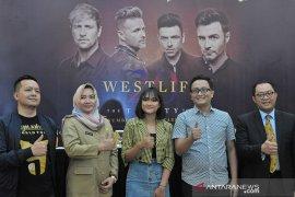 Konferensi Pers Konser Westlife Agustus mendatang di Palembang Page 1 Small