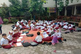 Kadisdik Pekanbaru bantah siswa SDN 01 Jalan A Yani kekurangan ruang kelas