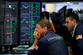 Wall Street turun jelang laporan sengketa perdagangan AS-China