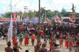 Perhelatan Festival Budaya Dayak di Bengkayang kenalkan ikon dan budaya
