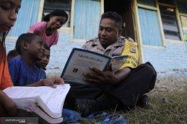 Anak putus sekolah di Alalak Banjarmasin