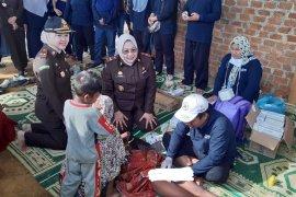 Kejati Jambi gelar sunatan massal warga SAD Padang Kelapo