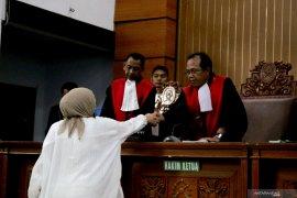 Hukuman Ratna Sarumpaet lebih ringan dari tuntutan jaksa