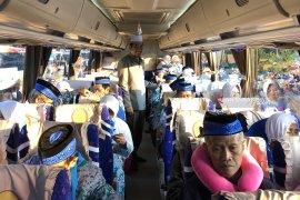 Sebanyak 1.232 calon haji asal Malang diberangkatkan