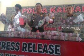Polda Kalbar sita Rp6,9 miliar dari 21 rekening desa di Bengkayang