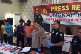 Polisi tembak pelaku pencurian toko swalayan