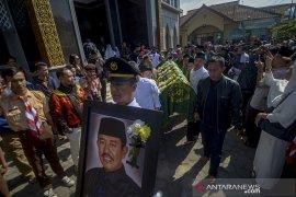 Mantan Bupati Kabupaten Bandung Barat Abu Bakar meninggal dunia