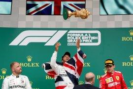 GP Inggris: Hamilton juara, Vettel tubruk Verstappen