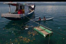 Penanganan sampah laut