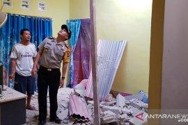 Polisi selidiki robohnya tower telekomunikasi yang menimpa rumah warga