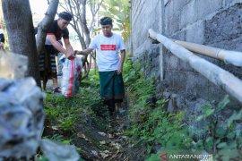 """Ribuan warga Klungkung """"berburu"""" sampah plastik"""