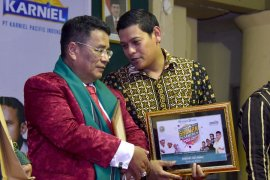 Wali Kota duet bersama Bang Hotman di Pesantren Lirboyo
