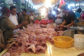Ini harga daging ayam di Pontianak akhir pekan