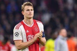 Kapten Ajax Matthijs de Ligt tiba di Turin selesaikan kontrak Juventus
