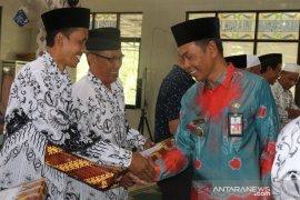 Sekda HSS apresiasi halal bihalal guru Kecamatan Angkinang