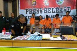 Polisi tangkap komplotan pengedar narkoba antarprovinsi