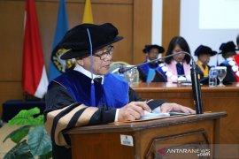 Prof Suratno dikukuhkan sebagai guru besar Universitas Pancasila