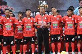 Bupati resmikan peluncuran kaos tim Persetala