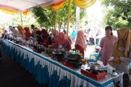 Pemerintah Kabupaten Bangka Tengah dorong warga memasak serba ikan