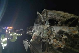 Mobil terbakar di tol, lima tewas