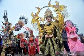 Karnaval Kebhinekaan diramaikan Satuan kepolisian, Kecamatan, dan Ormas Page 2 Small