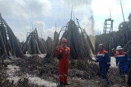 Pengeboran ilegal timbulkan semburan lumpur setinggi 30 meter