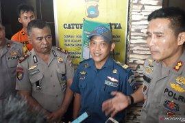 Petugas Kesyahbandaran Toboali urus pemulangan ABK kapal karam