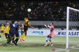Barito Putera and Persela ended 0-0 at Demang Lehman