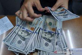 Dolar AS menguat tipis, hentikan penurunan 3 hari beruntun