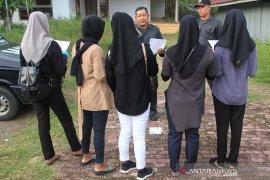 Razia busana muslim di Aceh Barat