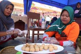 Pedagang sambut rencana pembuatan kemasan khusus Sala Lauak