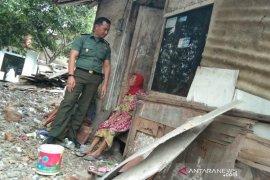 TNI bantu pembangunan rumah keluarga miskin