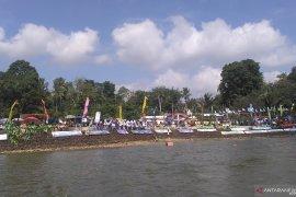 Warga Jambi antusias saksikan kejurnas dayung di Danau Sipin