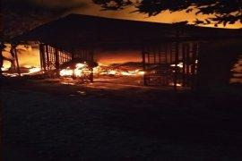 Kebakaran landa penyimpanan mebel di Langkat