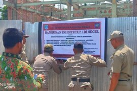 Tanpa IMB Satpol PP Paser stop pembangunan di jalan Sudirman