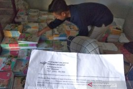 Orang tua siswa keluhkan harga buku SD di Garut hampir satu juta rupiah