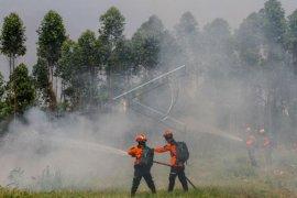 Tim Reaksi Cepat pemadam kebakaran APP Sinar Mas