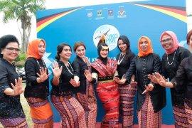 Pratiwi Murad Ismail kenakan baju Tanimbar di FSBAN