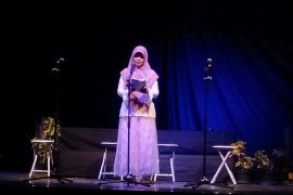 "Sastrawan muda pentas musikalisasi puisi ""cinta"""