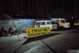 Posko bencana disiagakan di gerbang Taman Wisata Alam Tangkuban Perahu