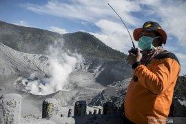 BPBD laksanakan piket siaga erupsi Gunung Tangkuban Parahu