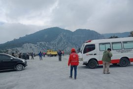 PMI masih bertahan di lokasi Letusan Gunung Tangkuban Parahu