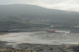 Taman wisata alam Kawah Ratu Tangkuban Perahu masih ditutup