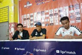 Pelatih Semen Padang puji semangat juang pemainnya saat jamu Persebaya