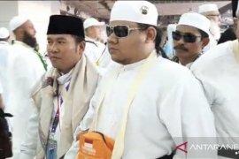 Kisah Subro, calon haji Banten tunanetra memeluk Ka'bah