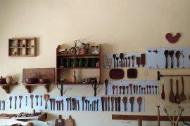 Pengelola kerajinan kayu jati Bali terima pesanan dari mancanegara